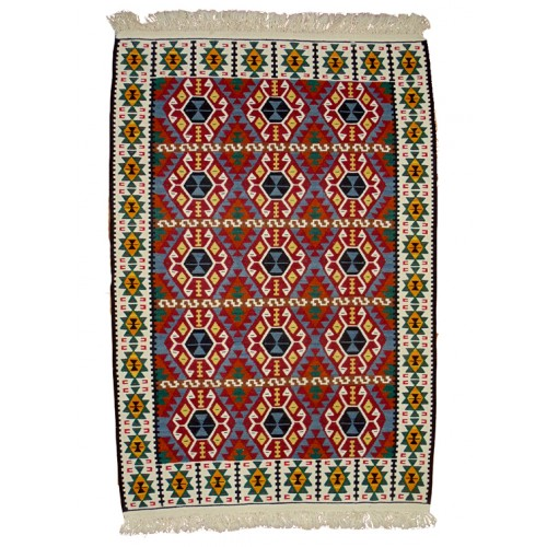 Unique Kilim - Weaved by Zeynep Öcal