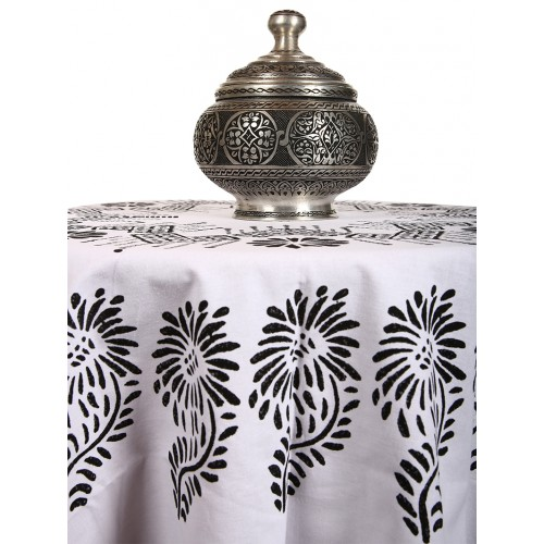 "White Round Table Cloth with ""Tokat"" Pattern"