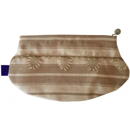 Kutnu Wallet - Elliptical, Needlework